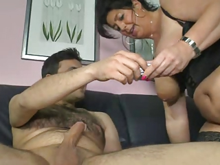 german mom shows lad how to make a woman cum