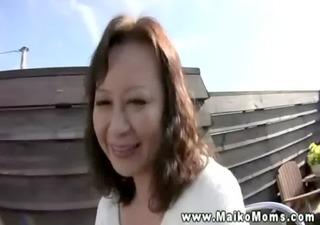 cute japanese d like to fuck shows stranger her