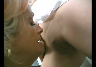older cougar seduces young dark brown chick -
