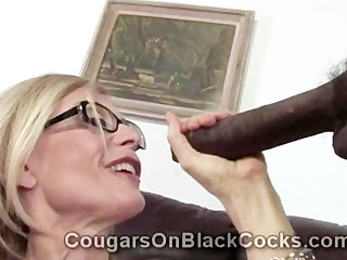 extremely hawt older blond bitch nina hartley