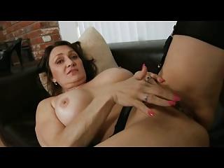 milf fingering in nylons