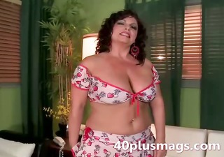 meet this chubby latina aged