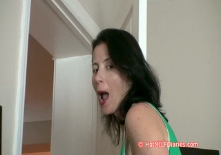 my girlfriends mummy shows her how to engulf my