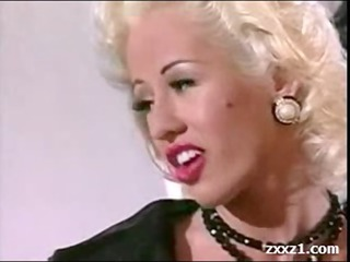 rich blonde american d like to fuck in nylons
