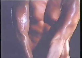 vintage babe - bodybuilder workout - londonlad