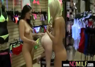 lesbo chick seducing her milf lady nextdoor 45